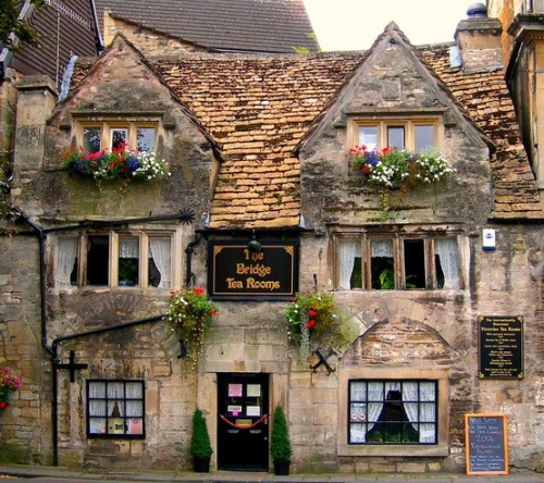 Bradford-on-Avon, Wiltshire, England photo via robyn