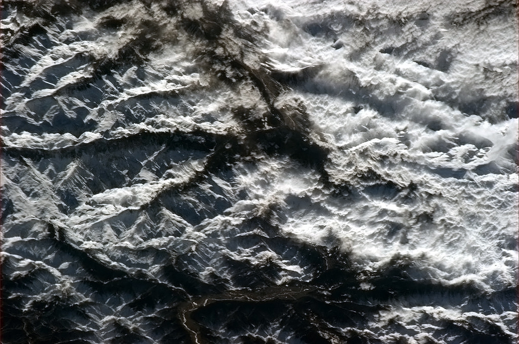 snowce:  col chris hadfield, The jagged beauty of the Alps from space