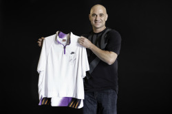 Andre Agassi rejoins Nike: http://tennis-buzz.com/andre-agassi-is-back-with-nike/