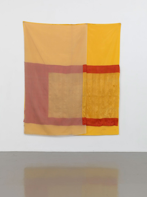 cruiseorbecruised:  ROBERT RAUSCHENBERGMirage (Jammer), 1975 Sewn fabric 80 x 69 inches  (203.2 x 175.3 cm)