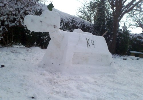 via The Doctor Who Facebook Page: Affirmative! We love this K-9 snowdog created by Who fan Neil.