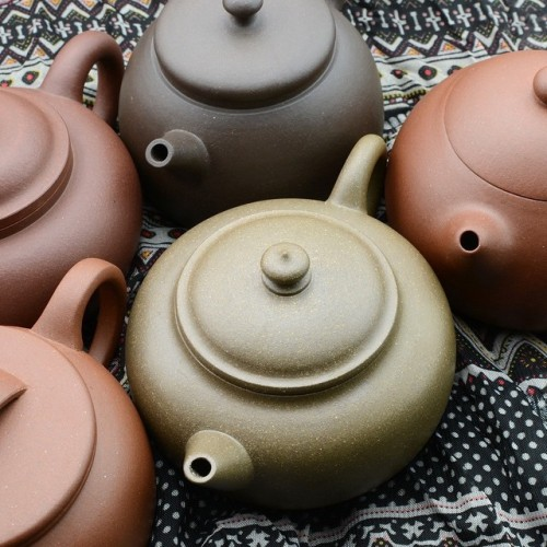 New fully #handmade #yixing #teapots online at #white2tea - beautiful #clay in each #teapot from #artist #fanjianfeng #tea #steepstergram #teatime #чай #čaj #thé #té #trà #茶 #茶壶 #steepster #teaware #pots