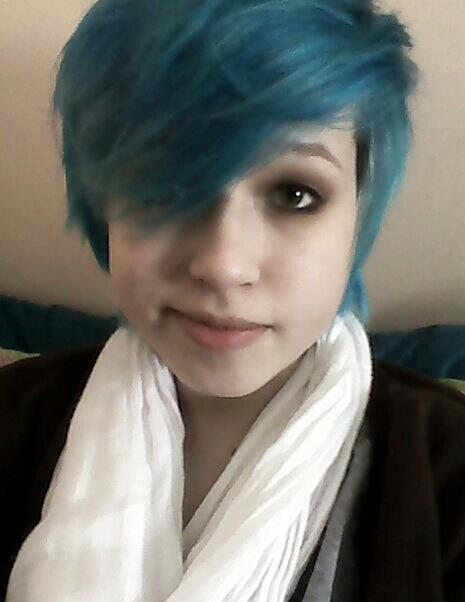I forgot that you guys didn't know I had blue hair. sup