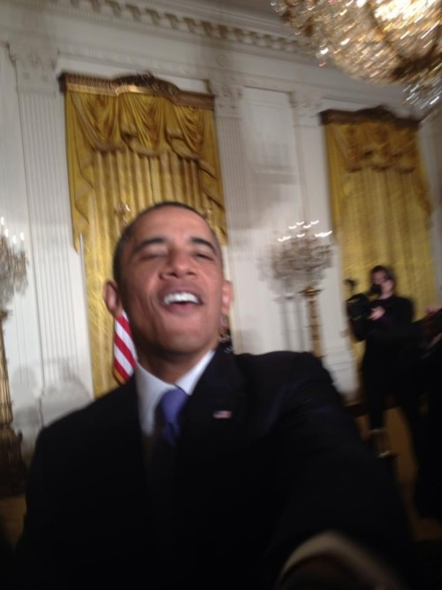 uselesskids:  bestlols:  Obama selfies are the best selfies  follows back 100%