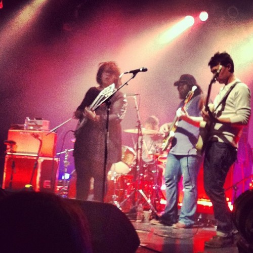 @alabama_shakes set the place a blaze. I have never seen such a raw and powerful voice be so beautiful. #AlabamaShakes #UptownTheater #KansasCity Also thank you @mammothlive for putting this together.  (at Uptown Theater)