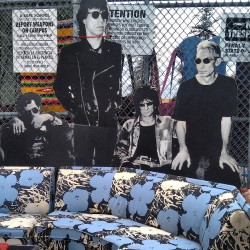 The Rolling Stones are hanging out by Vincent's Andy Warhol fabric covered sofa in G6 by the Melrose entrance… Nbd #Melrosetradingpost #fleamarket #rollingstones #sofa #retro #Warhol #jagger #la #lastyle #losangeles by melrosetradingpost http://bit.ly/YoUdV0