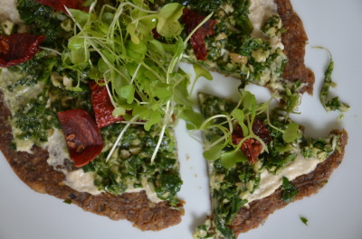 findvegan:  Raw Pesto and Sundried Tomato Pizza.  Holy crap!! Must try.