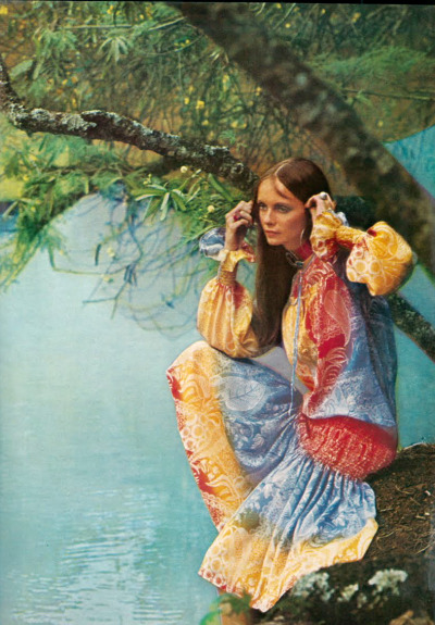 superseventies:  Model Jan Ward photographed by David Bailey for Vogue UK, 1970.