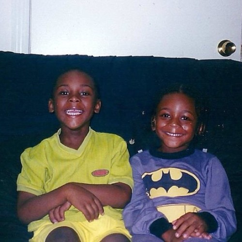 Me on the right tryna be batman and shit lol #kid #throwback #tagsforlikes #tflers #instagood #dope #batman #hero #tbt #throwbackthursday  #family #cuzzo #braids #hair   #longhairdontcaren #funny