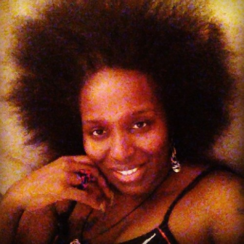 A year ago my #hair was 2 inches long 😂😂 #teamdarkskin #teamlonghair #good #soft #natural #gray #streak #43 #beautiful #bestoicoftheday #iphonesia