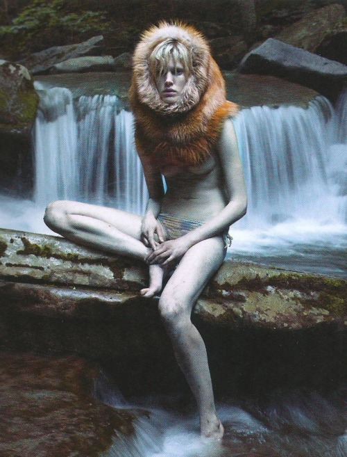 moisieur:  Iselin Steiro shot by Mario Sorrenti for Self Service, F/W 2007