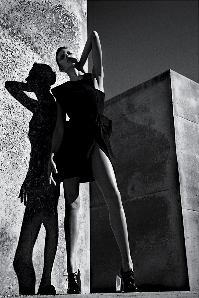 The very angular Anja Rubik. http://nyti.ms/WJARJ6