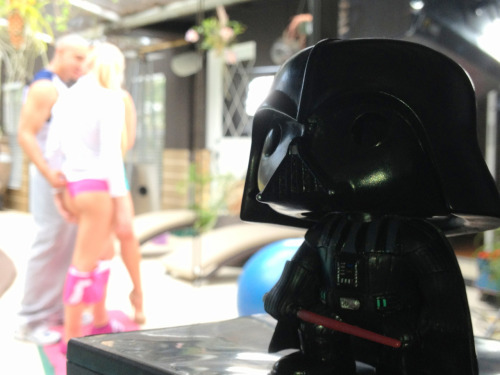nakdeth:  Here's lil Vader on the set of MILF Lessons.