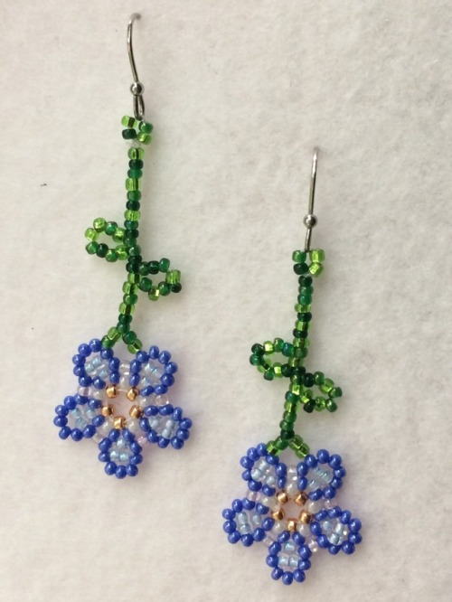 beaded earrings beaded jewelry forget me not alaska native ndn art i& 039;ve never made earrings before but they& 039;re really easy and fun