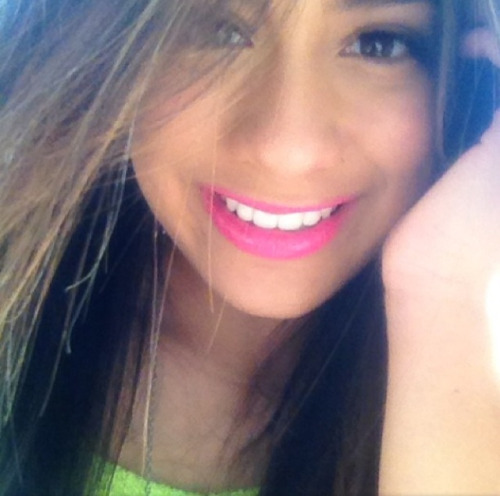 5h-news:  [@]AllyBrooke: Enjoying this beautiful day 😄