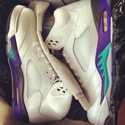 My new babies, second in line #yeg #loveem #retro5s #grapes #igsneakercommunity #sneakerheadshit #l4l #follow4follow