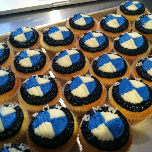 #bmw #cupcakes @ivybakery #cars #logos #customdesign #bakery #nyc #soho #corporate #client #gifts #branding (at Ivy Bakery)