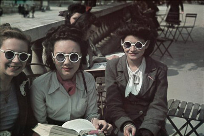During World War II, French photographer André Zucca had rare access to color film because he worked for the Nazi propaganda organ Signal (via artforum.com / critics' picks) En suivant la mode, Jardin du Luxembourg, Mai 1942 from an exhibition at theBibliothèque historique de la Ville de Paris