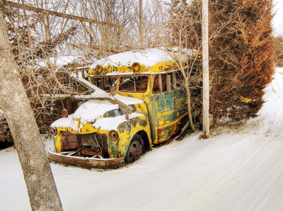 0207 Old yellow bus (via iowa_spirit_walker)