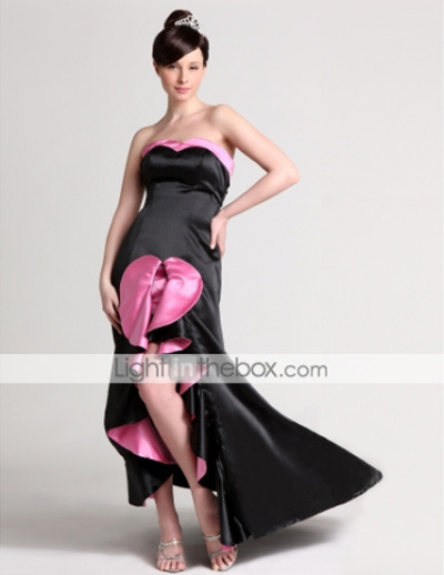 i-can-not:  Vagina Dress! via www.Dlisted.com  isn't the point of wearing clothes so that we can't see your clam?