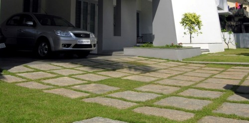 Green driveway in Thrissurm India via archdaily