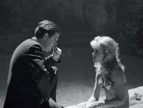 oldhollywood:  Stanley Kubrick & Sue Lyon on the set of Lolita (1962) (via)
