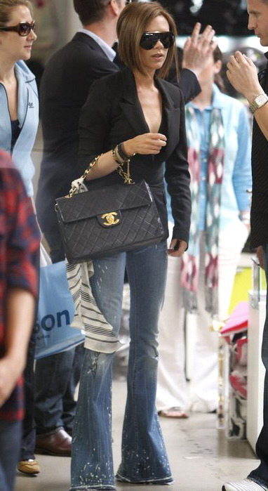 bohemeextreme: blairbitchproject: fuckyeahvictoriabeckham: Victoria Beckham shopping in LA, April 2008 omg i love that bag. it's the best chanel that ever was.