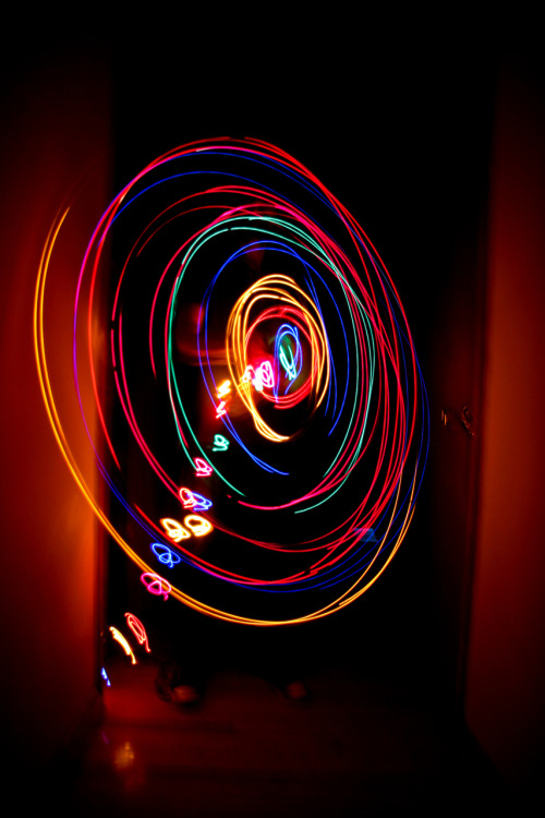 leeshiebean:  lightpaint:(via photoholic)