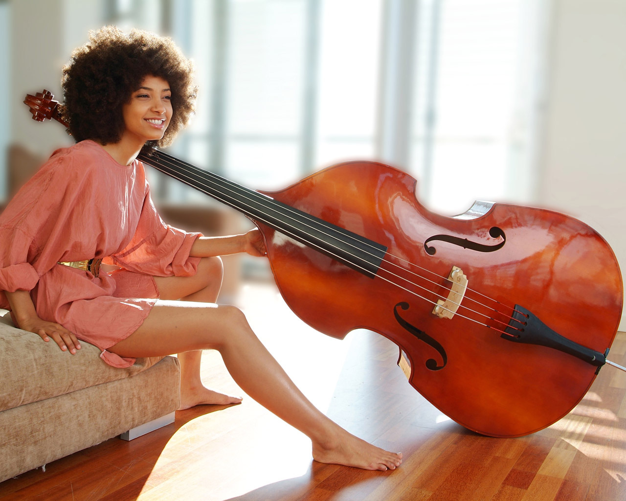 afrodesiacworldwide:  lecoil:  Esperanza Spalding FTW! (Thanks to Andrea at Fly for the tip!  Image via Soul Portrait)
