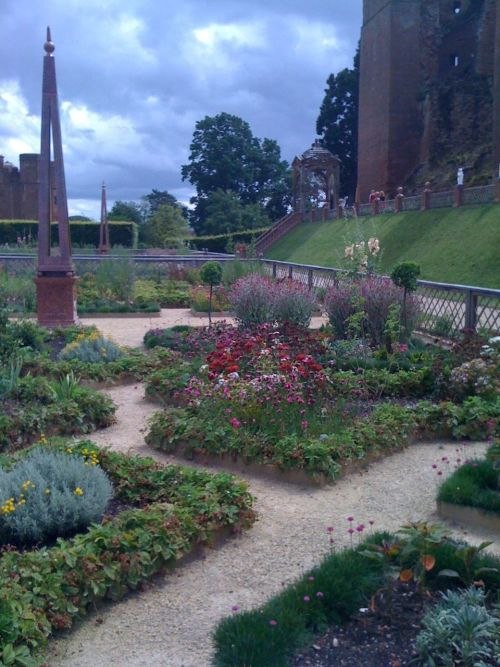 Visit , with Paul and Kate , to the newly restored gardens at Kenilworth Castle.