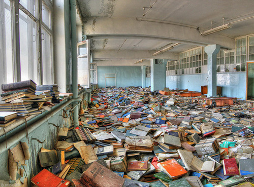 ducly:  ruins: Pixdaus: Popular Today Pics - Abanded Russian Library:   When someone here sought knowlege. Now only a spring breeze walks among books  (via handa)