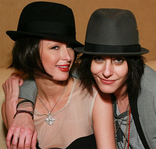 fuckyeahlesbians:  (via fuckyeahdykes)    Kate Moennig  Why is Paris Hilton here?! That's just wrong.