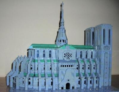 Notre Dame Cathedral in LEGO by Arthur Gugick : MOCpages.com