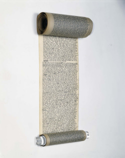 cinoh:  pictografica:  thethirdmind: Manuscript scroll of Jack Kerouac's On the Road. [click on image for hi-res]