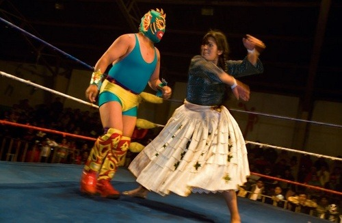 "mudwerks:  Neatorama | Bolivian Wrestling Forget WWE and Mexico's lucha libre … the real wrestling action is in Bolivia. 'Her slight form bulked up by the many layers of her pollera skirt, ""Amorous Yolanda"" humbles burly ""Craquen."" Female fans relish victories over male wrestlers by tough cholitas—scripted though they are. ""I am a loving person outside the ring,"" Yolanda says. ""But once in the ring, Amorous Yolanda becomes 'Hateful Yolanda.'"" '"