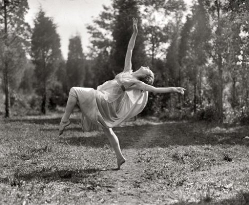"Rite of Spring: 1924 | Shorpy Photo Archive ""Madame Lubouska, National American Ballet, 1924."" The Russian dancer Desiree Lubowska, whose claim to fame seems to have been the popularization of ""Egyptian"" poses around 1915. National Photo Co. glass negative. View full size."