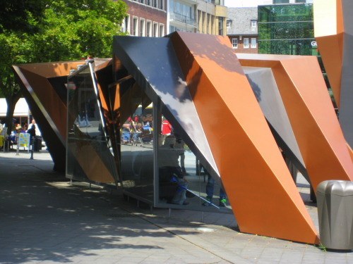 Peter Eisenman bus stop next to the Elisenbrunnen.  beautiful!