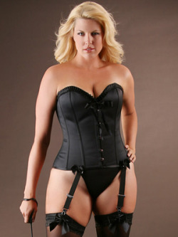 The Contessa  Steel Boned Corset Must have.