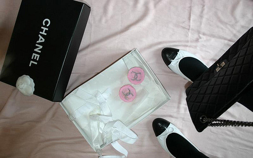 hollywoodoverdose: chanel, cupcakes, shoes and handbags. what else do you need.xo