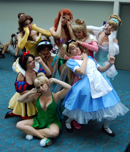 "Princesses don't ""go wild"" quite like everyone else via cherrylolita: bewitchthemind: longlivethequeen: antoinetta: medusenerveuse: sugarlessbunnie: annefaith"