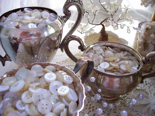 brocantehome:  button sugar (via polka dot rose)