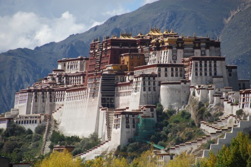 travelingcolors:  Potala Palace, Lhasa | Tibet | China (via vi.sualize.us | via 05)