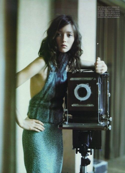 foto_decadent: Magazine: Vogue IT - October 1998Model: Woman and camera