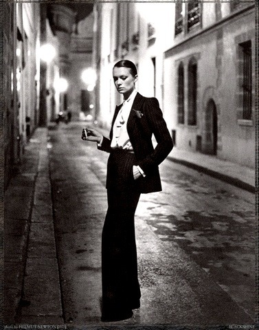 Helmut Newton, Rue Aubriot, Paris 1975 Yves Saint Laurent, R.I.P.