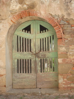 nineplates:  Door in an abandoned hamlet in Tuscany, Italy.