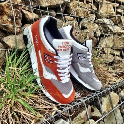 sizeofficial:  The latest 'Made in England' silhouettes from New Balance have landed in the form of these two simply coloured 1500s. #size #new #balance #newbalance #madeinengland #1500 #sizehq  (at product code: 067443)