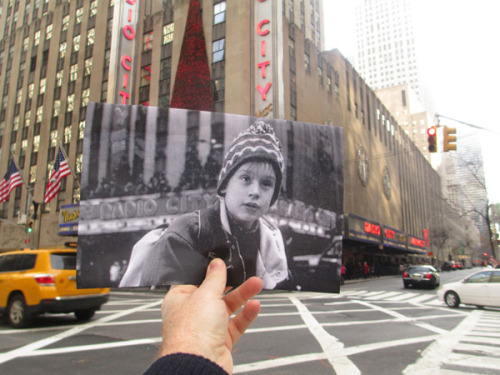 taktophoto:  Photos from Popular Movie Scenes Held Up in Front of Real World Location
