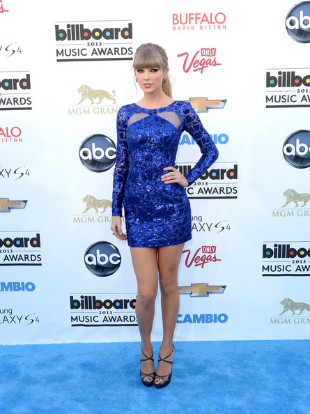 dailydoseofcelebrities:  Taylor Swift at the 2013 Billboard Music Awards at the MGM Grand Garden Arena on May 19, 2013 in Las Vegas, Nevada.