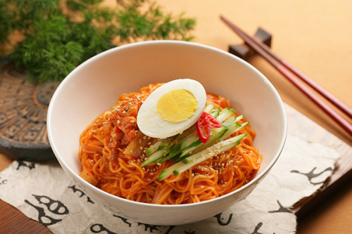 psychedelicfood:  Bibim Naengmyeon Request