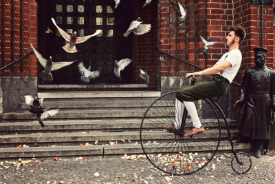bisikleta:  Birds and the Bicycle (by Yuliya Bahr)